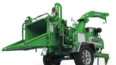 Compact drum chipper