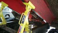 Truck maintenance safety tool