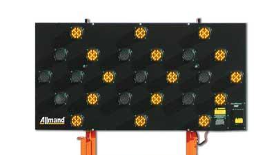 Solar-powered flashing arrowboard
