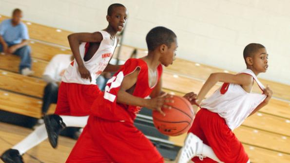 Chicago turns to crowdfunding to expand basketball program for at-risk youth