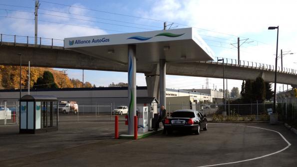 Refueling infrastructure: Promoting greener fleets