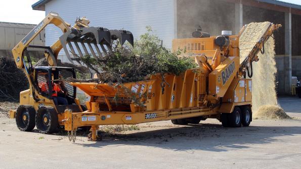 Grinder tackles Tennessee wood waste