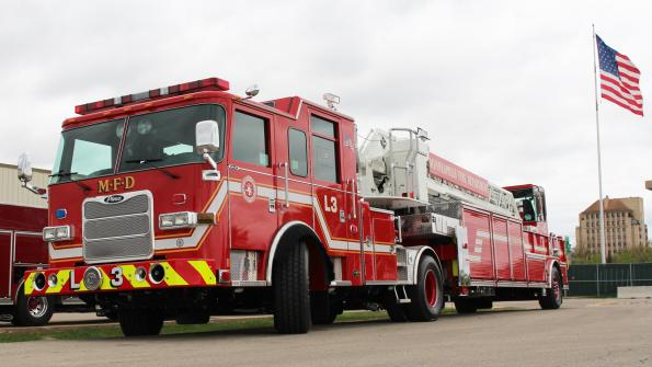 Minneapolis Fire Department obtains 100-foot aerial tiller unit (with related video)