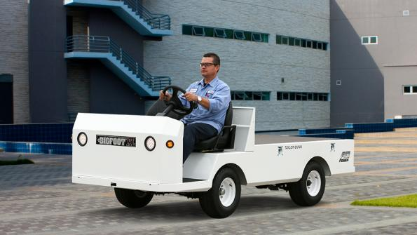 Brawny electric utility vehicle performs a variety of tasks (with related video)