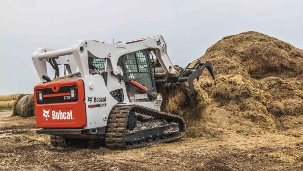 Compact track loader features non-DPF diesel engine