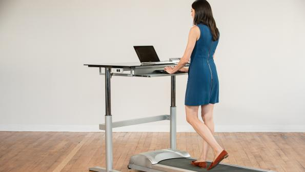 Look for more standing desks in the workplace in 2016 (with related video)