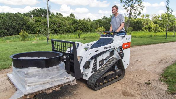Use this mini track loader in cramped spaces