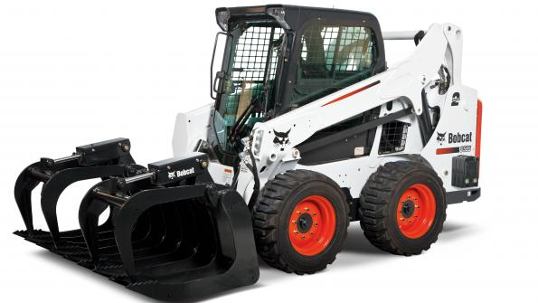 Powerful skid-steer loader hauls big quantities