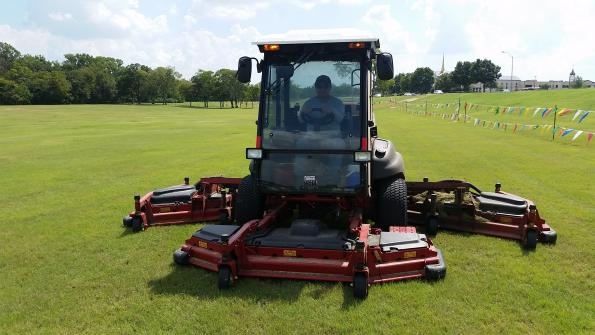 Community achieves Texas-sized mowing productivity gains