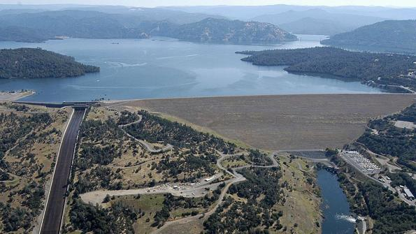 Over 180,000 evacuate northern California amid dam flood threat