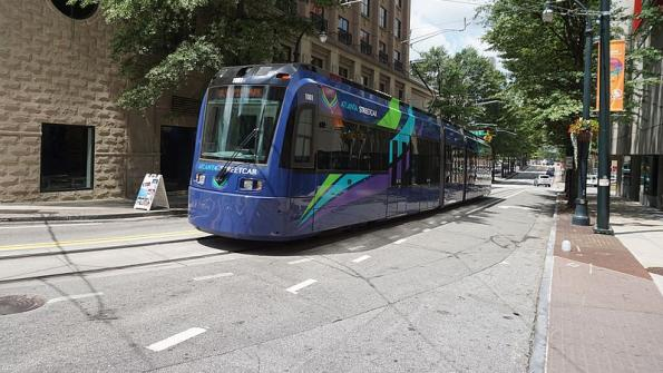 Cities build streetcar lines amid lessons from failing projects
