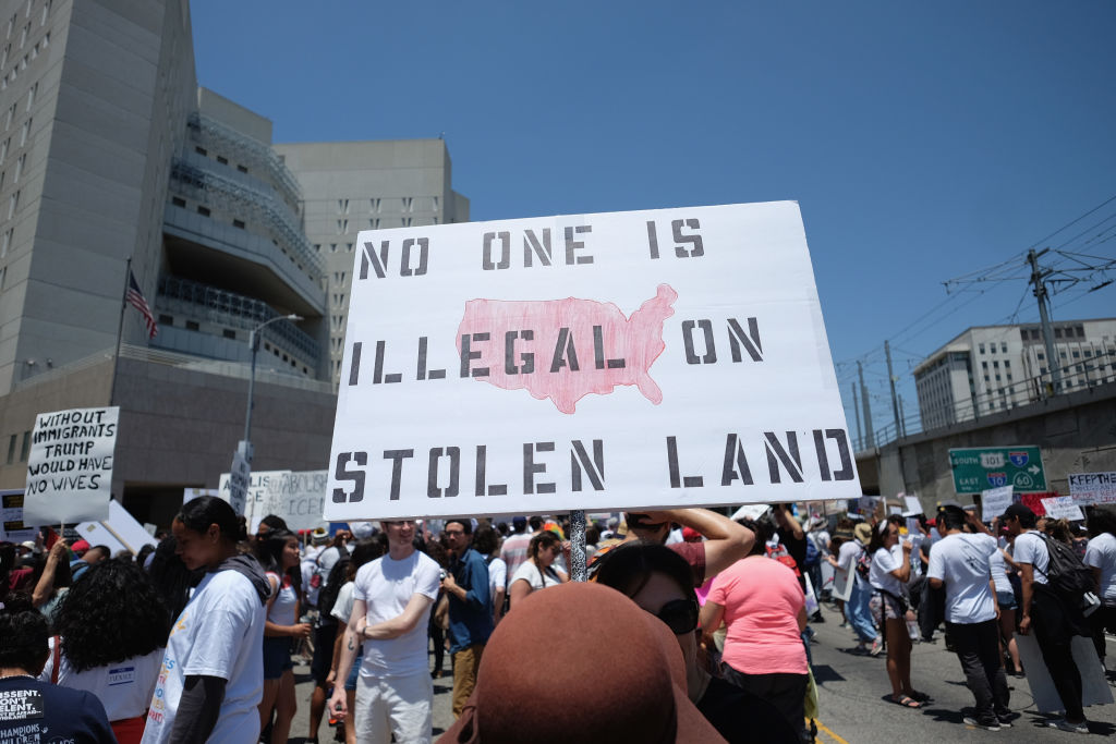 Los Angeles County votes unanimously to oppose federal immigration plan