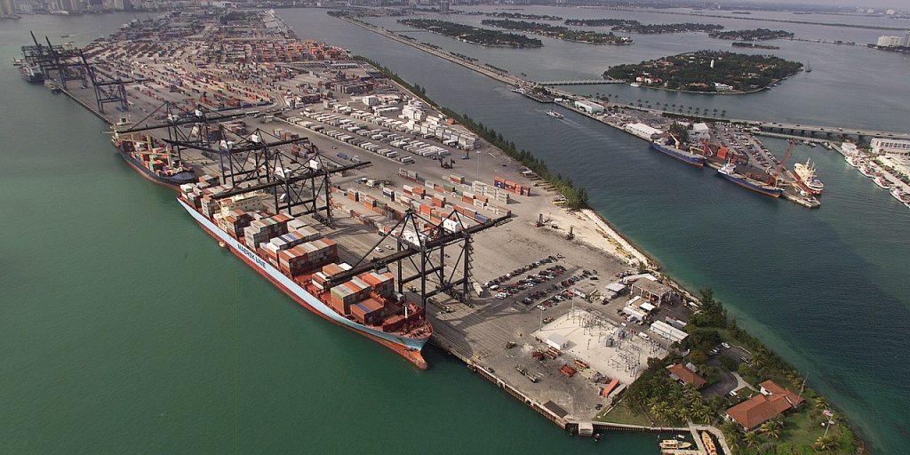 Miami politicians clash over Dorian relief response