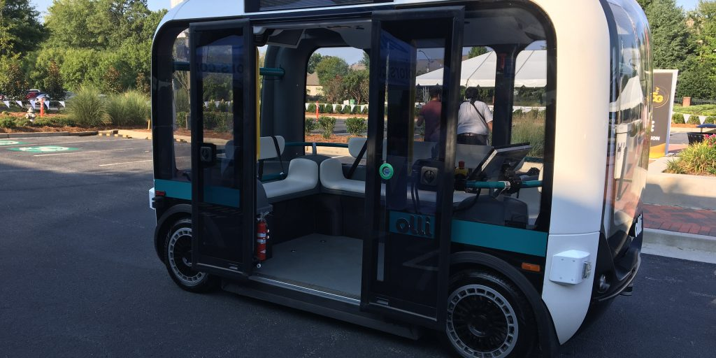 Tennessee county allows autonomous shuttle to operate on public road