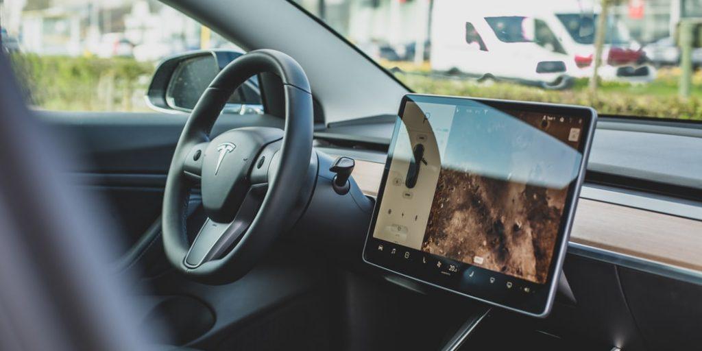 Take the wheel on a driverless future