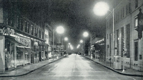 Photo of Roanoke, Va.'s mercury vapor street lights