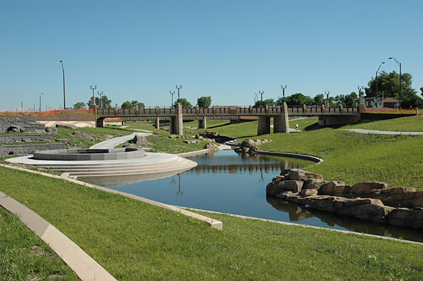 The Antelope Valley project was the result of three entities in Lincoln, Neb., coming together to find a joint solution to a myriad of challenges, including flood control, traffic congestion, pedestrian safety, conflicts with railroads and roadways and community revitalization needs.