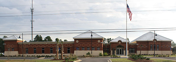 The new public safety center in Ocean Springs, Miss., includes two facilities on the same campus in the center of the community: a fire station with an Emergency Operations Center and a complex housing a municipal police station, jail and courtroom.